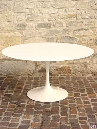 Table Eero Saarinen