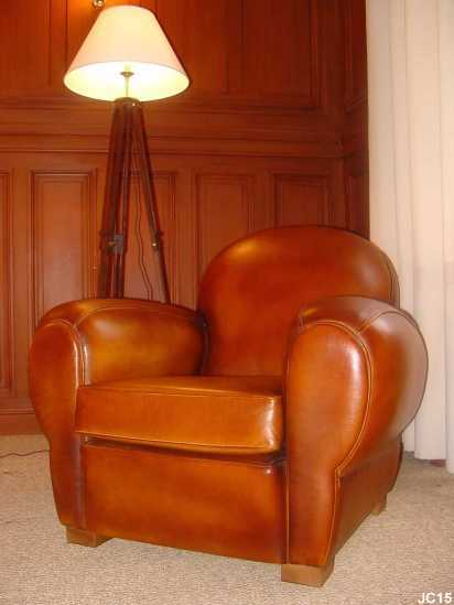 Fauteuil club vers 1930 dossier rond