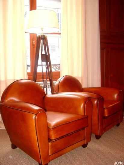 paire de fauteuils oxford vers 1930 beau mod le art d co. Black Bedroom Furniture Sets. Home Design Ideas