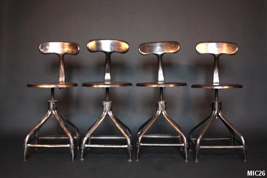 chaises industrielles. Black Bedroom Furniture Sets. Home Design Ideas