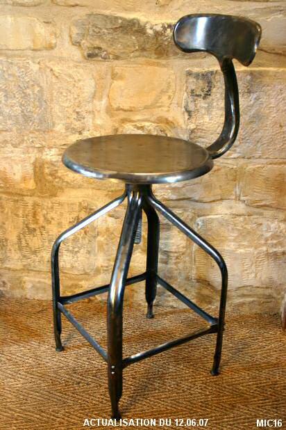 chaise industrielle tous les produits et articles de d coration sur elle maison. Black Bedroom Furniture Sets. Home Design Ideas