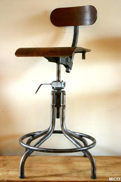 Chaises En Acier Brut Vers 1950