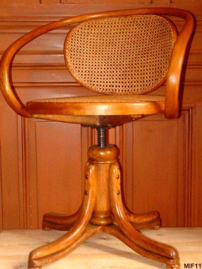 fauteuil en bois courb thonet vers 1930. Black Bedroom Furniture Sets. Home Design Ideas