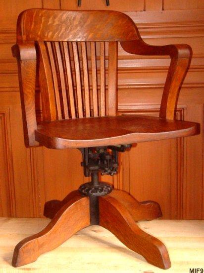 Fauteuil de bureau de type am ricain vers 1930 for Fauteuil de bureau en bois pivotant
