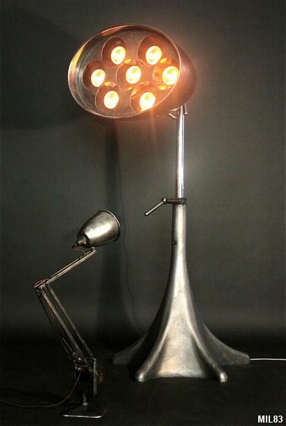 projecteur rg levallois pied organique fonte. Black Bedroom Furniture Sets. Home Design Ideas