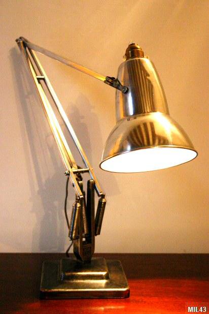 lampe de bureau articul e anglepoise. Black Bedroom Furniture Sets. Home Design Ideas