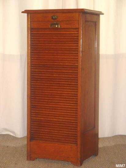 classeur rideau vers 1930. Black Bedroom Furniture Sets. Home Design Ideas