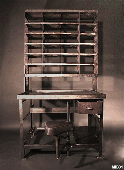bureau de tri postal vers 1950. Black Bedroom Furniture Sets. Home Design Ideas