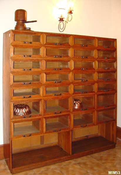meuble de m tier vers 1940. Black Bedroom Furniture Sets. Home Design Ideas