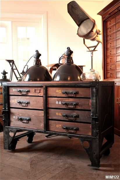 meuble industriel bois m tal. Black Bedroom Furniture Sets. Home Design Ideas