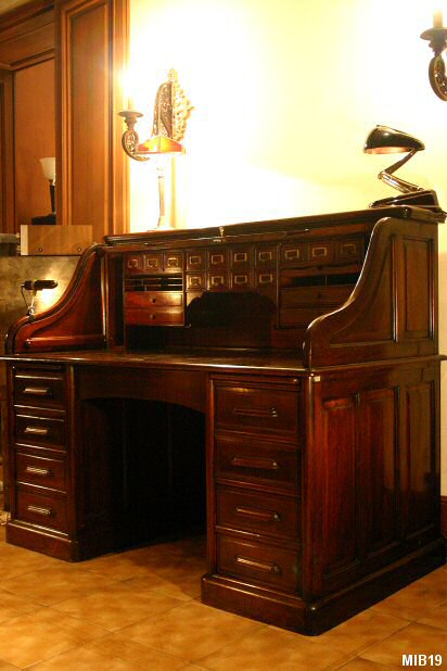 bureau cylindre de type dos d 39 ne vers 1930. Black Bedroom Furniture Sets. Home Design Ideas
