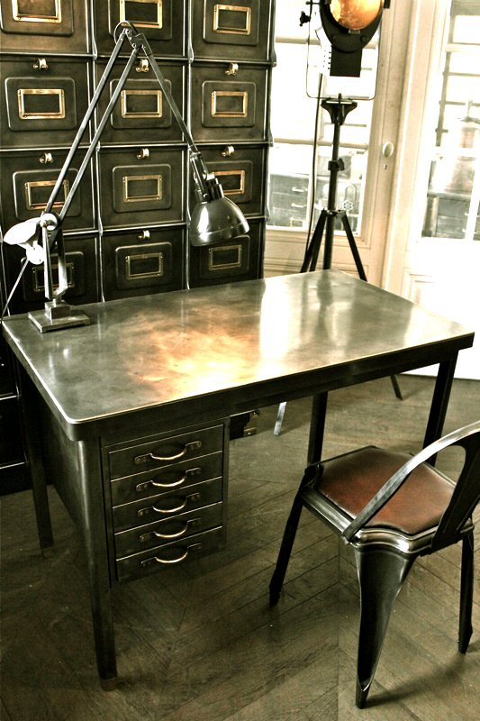 petit bureau industriel. Black Bedroom Furniture Sets. Home Design Ideas