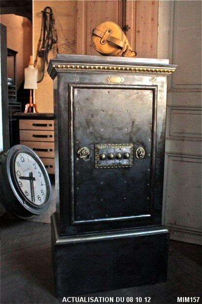 coffre fort ancien. Black Bedroom Furniture Sets. Home Design Ideas