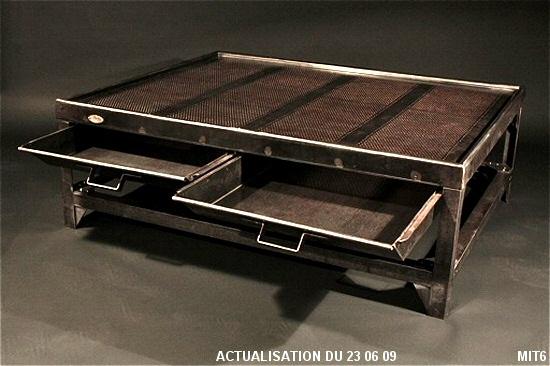 table basse les nouveaux brocanteurs tous les objets de. Black Bedroom Furniture Sets. Home Design Ideas
